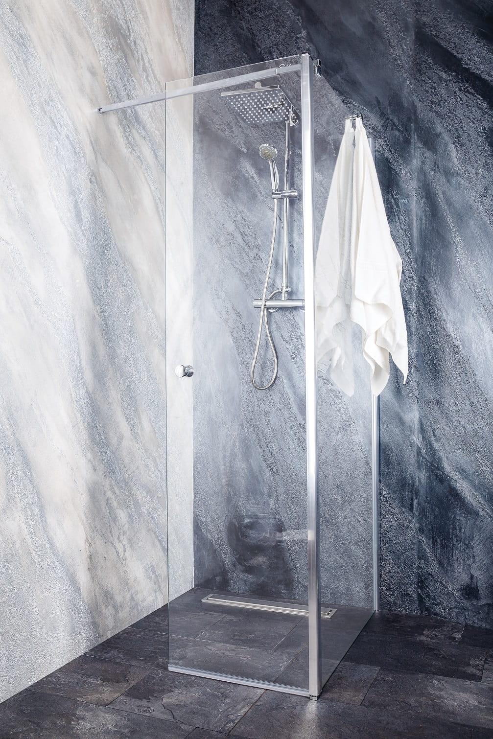 Sanotechnik - GRANDE - Rohový sprchovací kút, 140 x (70 - 120) cm, výška 195 cm